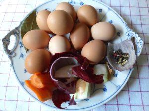 Eier und Zutaten