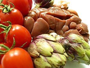 Tomaten, Nierchen und Artischocken