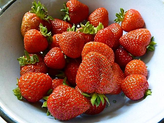 Früchte waschen und putzen