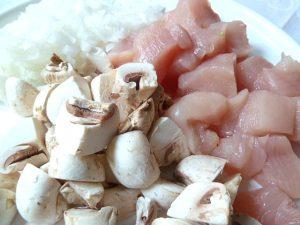 Weisse Zwiebel, Champignons und Hühnerbrust
