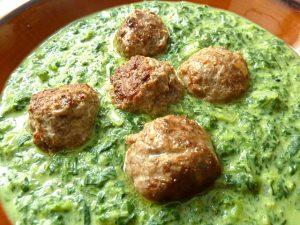 Spinat und Lammhackbällchen indisch gewürzt