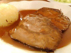 Sauerbraten mit Kartoffelknödel