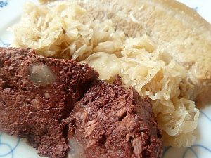 Blutwurst, Kraut und Wellfleisch