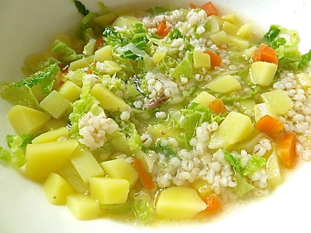 schmeckt auch vegetarisch mit einer Gemüsebrühe und ohne Fleisch
