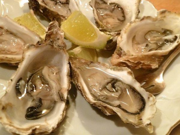 Austern nur mit Zitrone