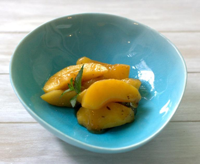 unreife Pfirsiche altrömisch