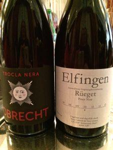 "2012 Trocla nera Pinot Noir Weingut zur Sonne Familie Obrecht Jenis Graubünden 2010 Pinot Noir Elfingen ""Rüeget"" Litwan Wein Schinznach/Aargau"